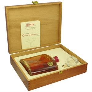 grappa-gewurztraminer-riserva-in-cassetta-legno-di-roner-distillerie